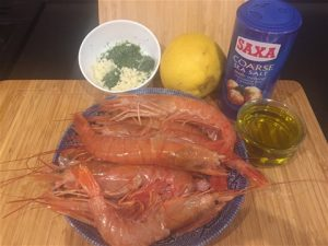 Simple Fresh Ingredients for King Prawns in Garlic Sauce